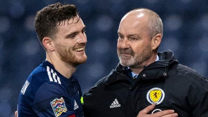 โรเบิร์ตสัน เชื่อ สก็อตแลนด์ คงเส้นคงวาในมือของ คลาร์ก